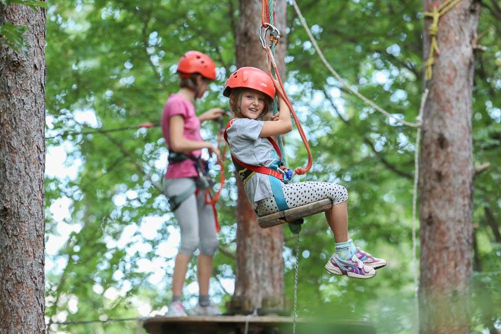 Bambina sorridente al Trieste Adventure Park